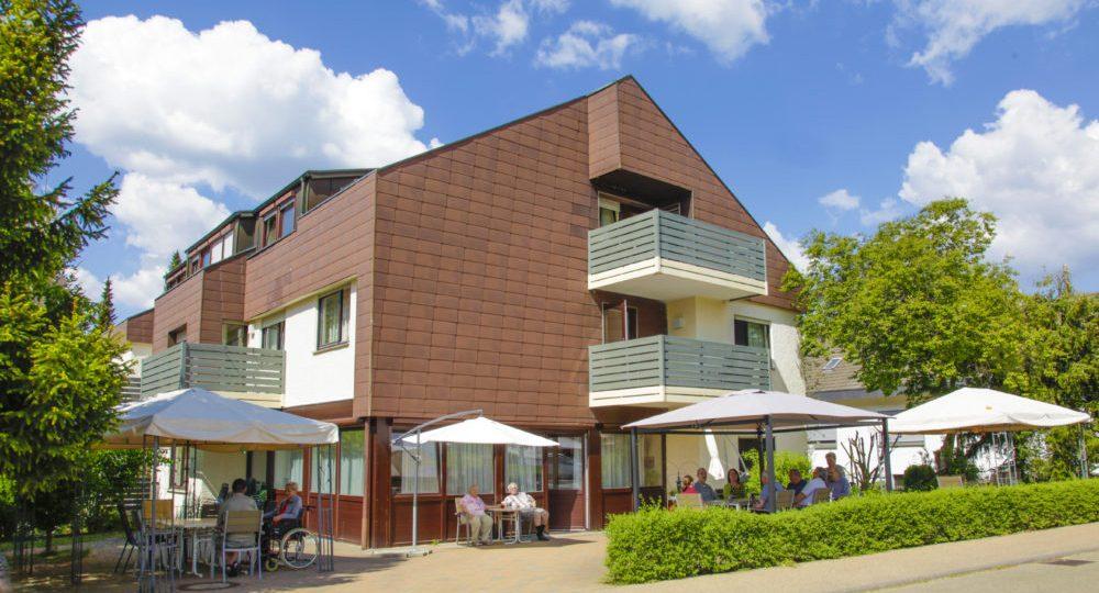 Wohnheim Aussen02